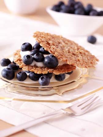 Blueberries with Oat Crisps and Crème Fraîche
